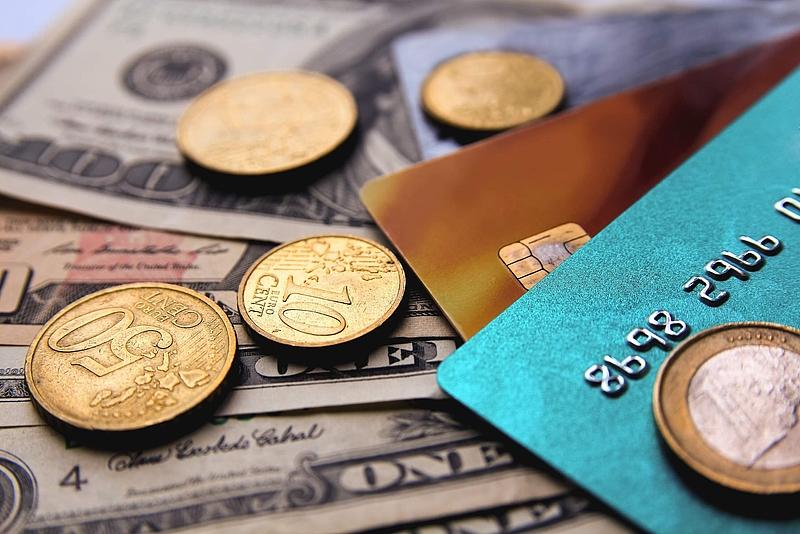 Münzen, Scheine, Kreditkarten